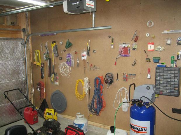 workbench plans with pegboard